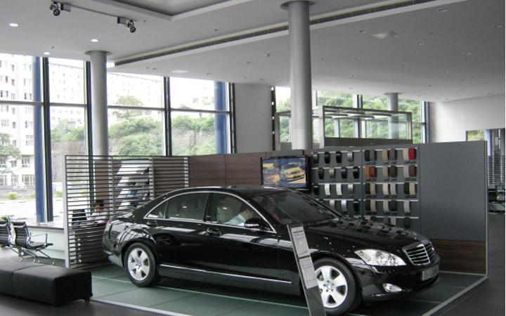 EagleSeating's office chair in BenZ store